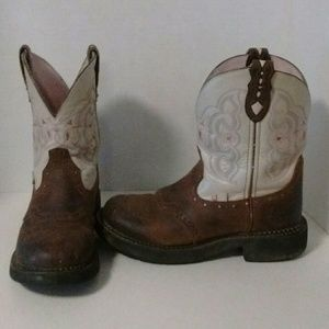 WOMEN'S JUSTIN GYPSY BOOTS GUC